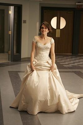 Tina Fey in una scena dell'episodio 'Seinfeldvision' della seconda stagione di 30 Rock