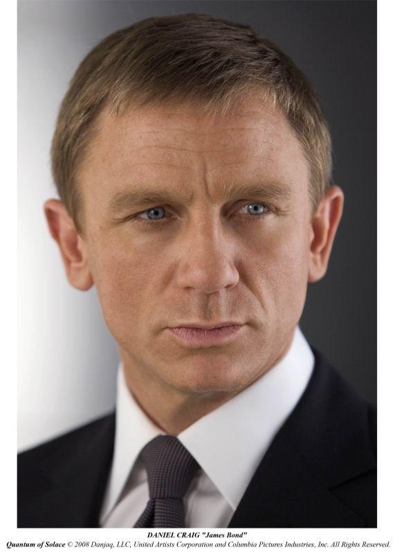 Daniel Craig in una delle prime immagini del film Quantum of Solace