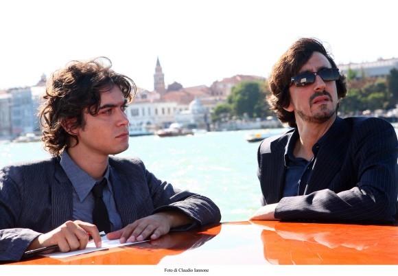 Riccardo Scamarcio con Sergio Rubini in un'immagine del film Colpo d'occhio del 2008
