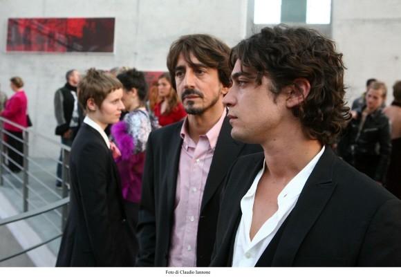 Riccardo Scamarcio con Sergio Rubini in un'immagine di Colpo d'occhio diretto dallo stesso Rubini