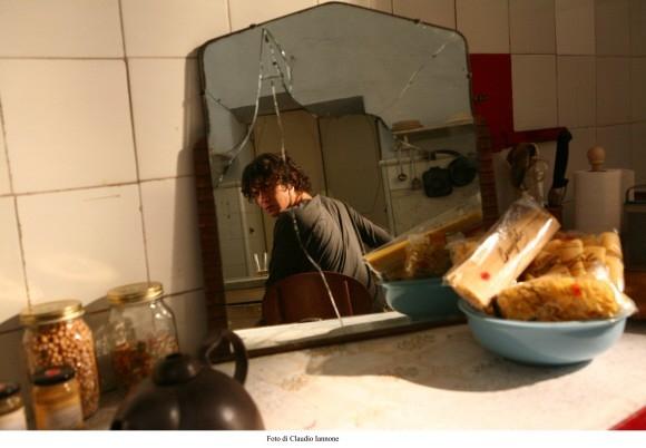 L'attore Riccardo Scamarcio in un'immagine del film Colpo d'occhio