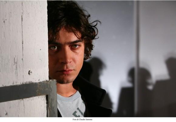 Riccardo Scamarcio in una foto del film Colpo d'occhio