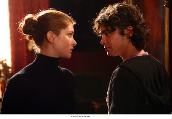 Vittoria Puccini e Riccardo Scamarcio in una sequenza del film Colpo d'occhio diretto da Sergio Rubini