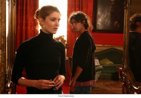 Vittoria Puccini e Riccardo Scamarcio in una sequenza del film Colpo d'occhio (2008)