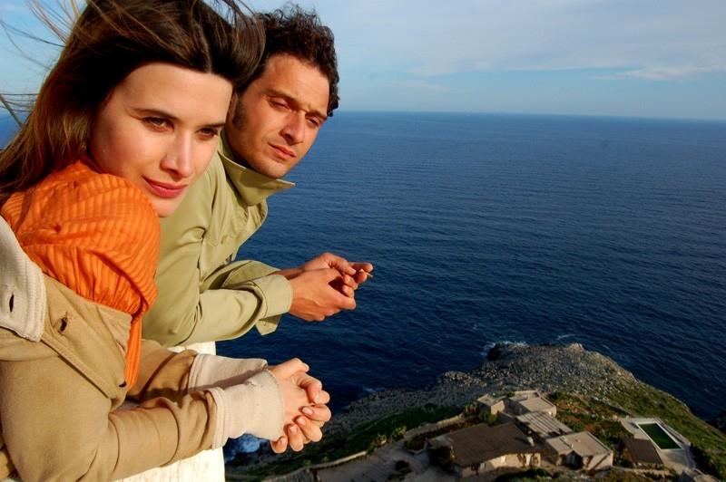 Valentina Cervi con Claudio Santamaria in una scena del film Fine pena mai