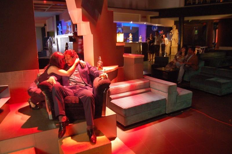 Valentina Cervi e Claudio Santamaria in una scena del film Fine pena mai
