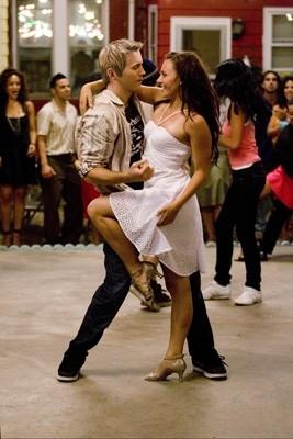 Briana Evigan e Robert Hoffman in scena nel film Step Up 2