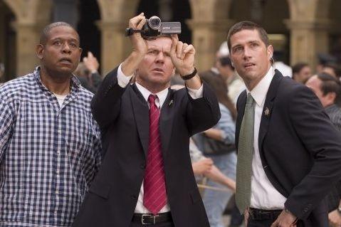 Forest Whitaker, Dennis Quaid e Matthew Fox in una scena di Prospettive di un delitto