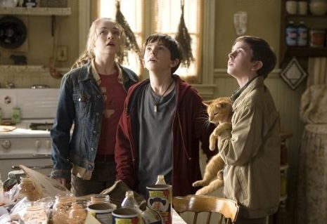 Freddie Highmore e Sarah Bolger nel ruolo dei ragazzi Grace in Le cronache di Spiderwick