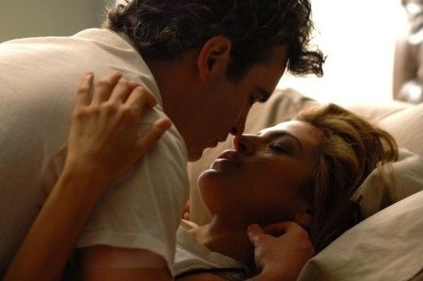Joaquin Phoenix e Eva Mendes in una scena de I padroni della notte