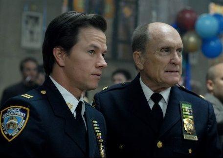 Mark Wahlberg e Robert Duvall in una scena de I padroni della notte