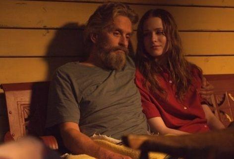 Michael Douglas e Evan Rachel Wood come padre e figlia in una scena di Alla scoperta di Charlie