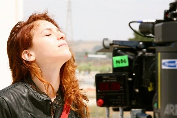 Isabella Ragonese in una scena del film Tutta la vita davanti (2008)