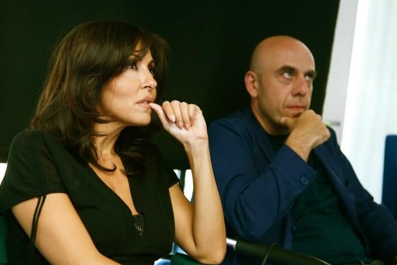 Sabrina Ferilli e Paolo Virzì sul set di Tutta la vita davanti.