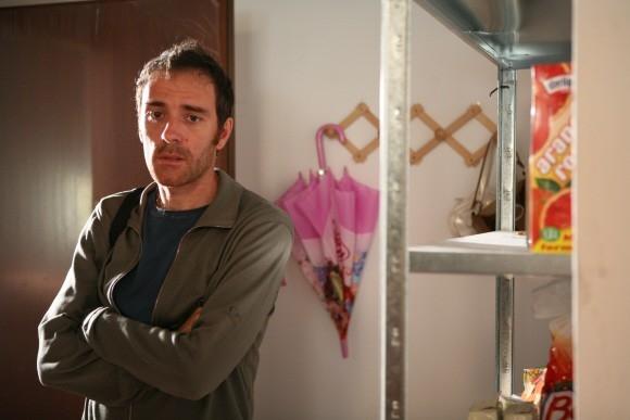 Valerio Mastandrea in un'immagine del film Tutta la vita davanti.