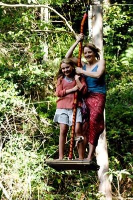 Abigail Breslin e Jodie Foster in una scena del film Alla ricerca dell'isola di Nim.