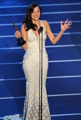 Academy Awards 2008: Marion Cotillard vince l'Oscar come miglior attrice protagonista per il suo ruolo ne La vie en rose