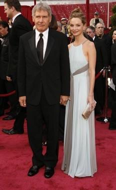 Calista Flockhart e Harrison Ford sul tappeto rosso degli 80° Academy Awards.