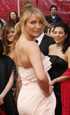 Cameron Diaz sul tappeto rosso degli 80° Academy Awards.