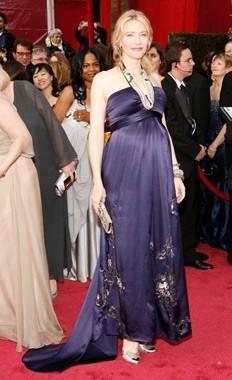 Cate Blanchett sul red carpet degli 80° Academy Awards.