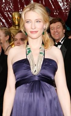 Cate Blanchett sul tappeto rosso degli 80° Academy Awards.