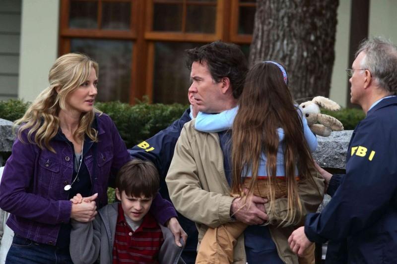 Joely Richardson, Chris O'Neil, Timothy Hutton e Rhiannon Leigh Wrynstars in una scena del film Mimzy - Il segreto dell'universo