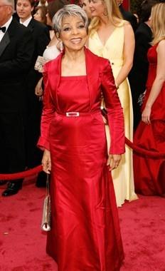 Ruby Dee sul tappeto rosso degli 80° Academy Awards.