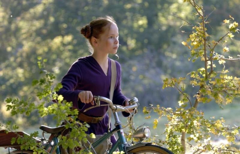 Bertille Noël-Bruneau in un'immagine tratta dal film La volpe e la bambina