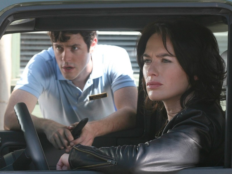 Lena Headey e Brendan Hines in 'The Turk', episodio 3 di Sarah Connor Chronicles