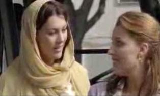 Veronica Mazza in una scena del film Ci sta un francese, un inglese e un napoletano
