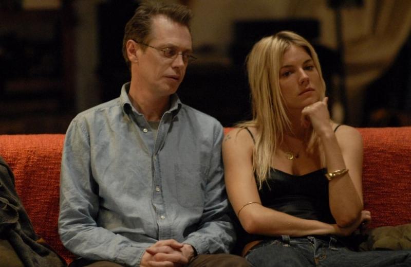 Steve Buscemi con Sienna Miller in una scena del film Interview
