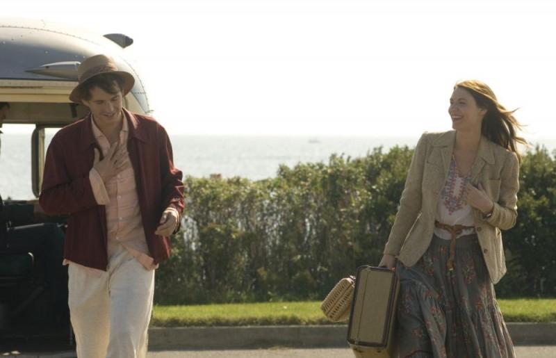 Claire Danes e Hugh Dancy in una sequenza del film Un amore senza tempo