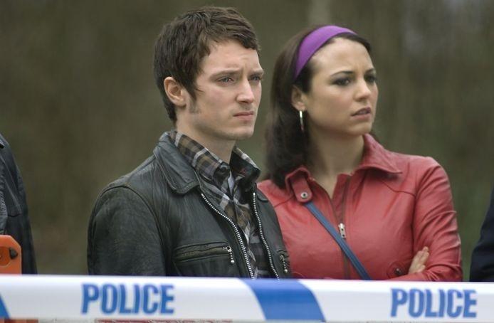Elijah Wood con l'attrice Leonor Watling in una scena del film Oxford Murders - Teorema di un delitto