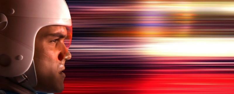 Emile Hirsch supersonico nel film Speed Racer