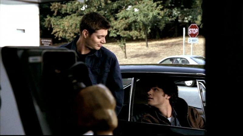 Jared Padalecki e Jensen Ackles discutono della vita di Sam al college in 'Questione di pelle'