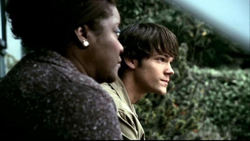 Jared Padalecki e Loretta Devine discutono di quello che è accaduto alla fine dell'episodio 'Home' di Supernatural