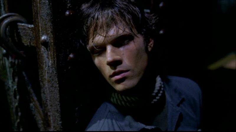 Jared Padalecki legato nella tana del mutaforme nell'episodio 'Skin'