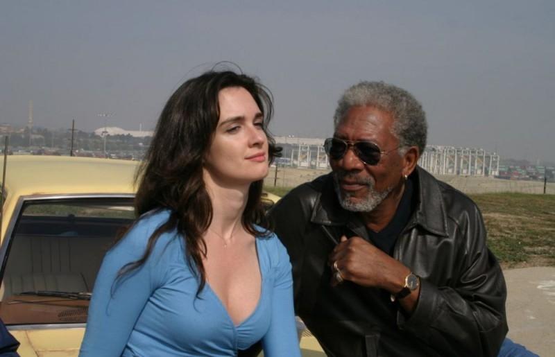 Morgan Freeman e Paz Vega in una scena del film 10 cose di noi