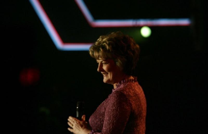 Brenda Blethyn in una scena del film Il matrimonio è un affare di famiglia
