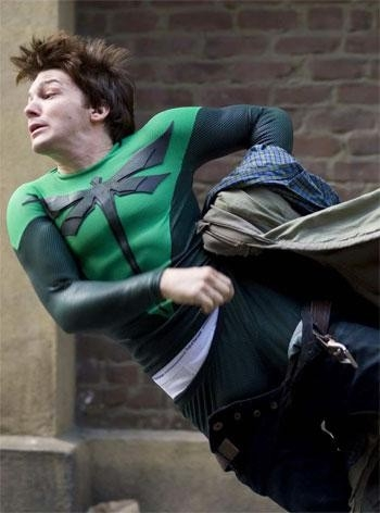 Drake Bell in una scena del film Superhero - Il più dotato fra i supereroi