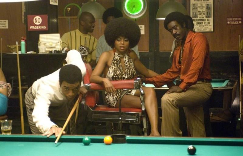 Chiwetel Ejiofor, Taraji P. Henson e Don Cheadle in una scena del film Talk to me