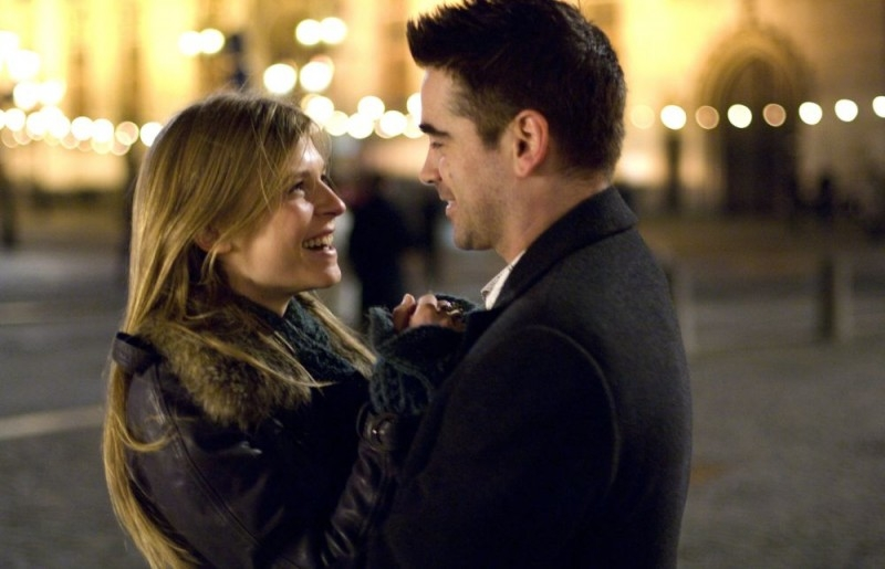 In Bruges: Clémence Poésy e Colin Farrell in una scena del film
