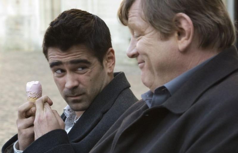 Farrell e Gleeson in una scena del film In Bruges