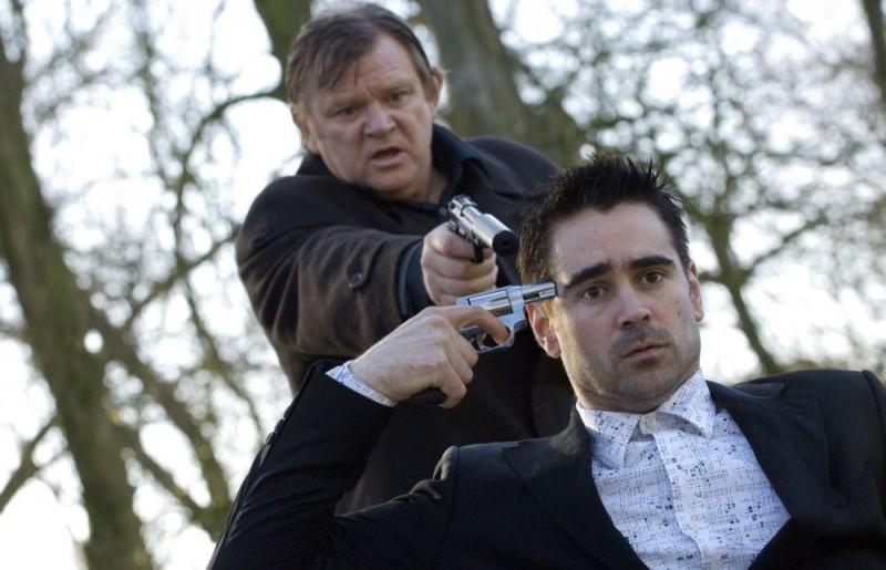 Colin Farrell e Brendan Gleeson in una scena del film In Bruges - la coscienza dell'assassino (2008)