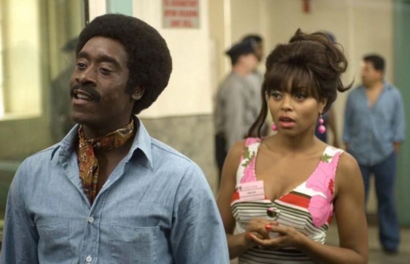 Don Cheadle e Taraji P. Henson in una scena del film Talk to me