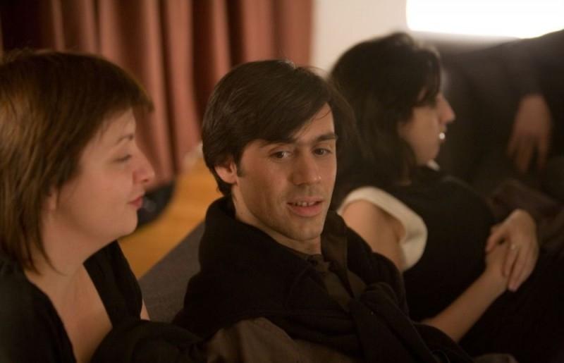 Emmanuel Mouret in una scena del film Solo un bacio per favore