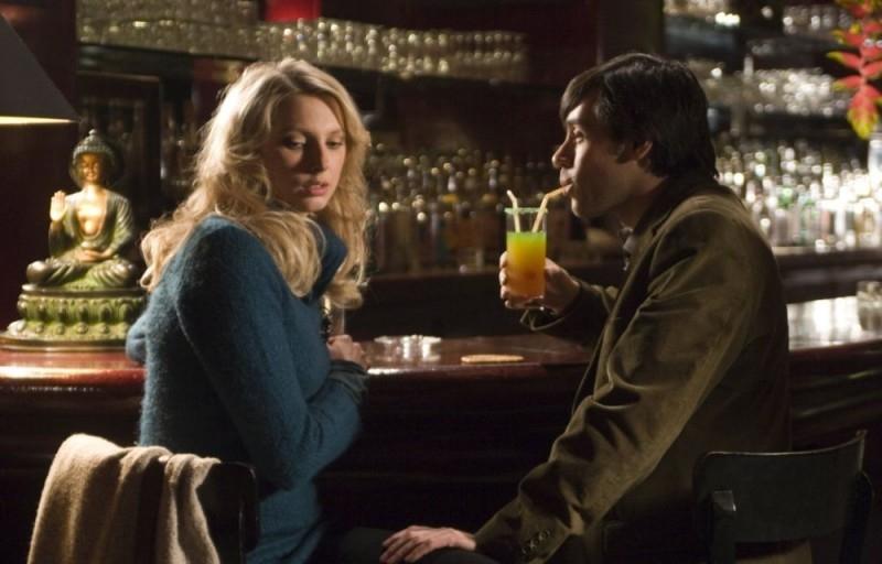 Frédérique Bel ed Emmanuel Mouret in una sequenza del film Solo un bacio per favore