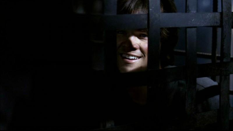 Padalecki nel ruolo di Sam Winchester, ingabbiato da una famiglia di assassini nell'episodio 'La famiglia Bender' di Supernatural