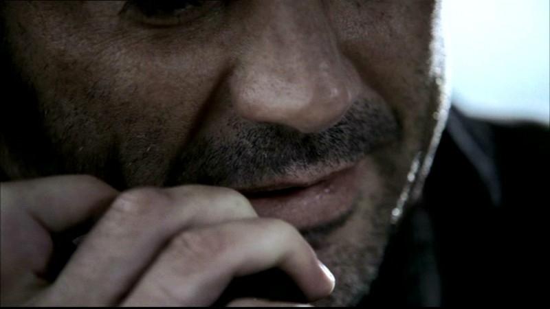 Un primissimo piano di Jeffrey Dean Morgan nell'episodio 'Lo spaventapasseri' di Supernatural