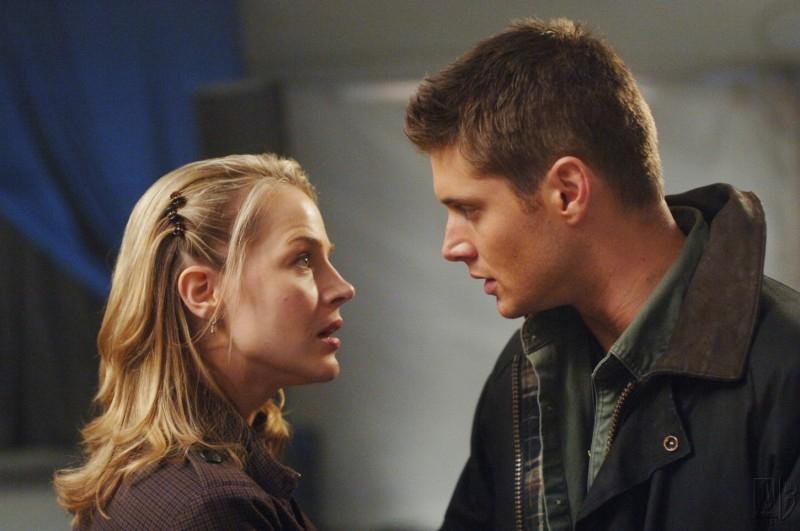 Julie Benz e Jensen Ackles nell'episodio 'Faith' di Supernatural